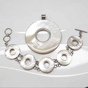 Mother Of Pearl Pendant and Bracelet Set